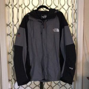 North face summit series ski/snowboard jacket